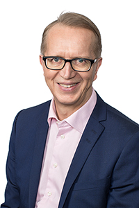In the picture Managing Director Janne Metsämäki